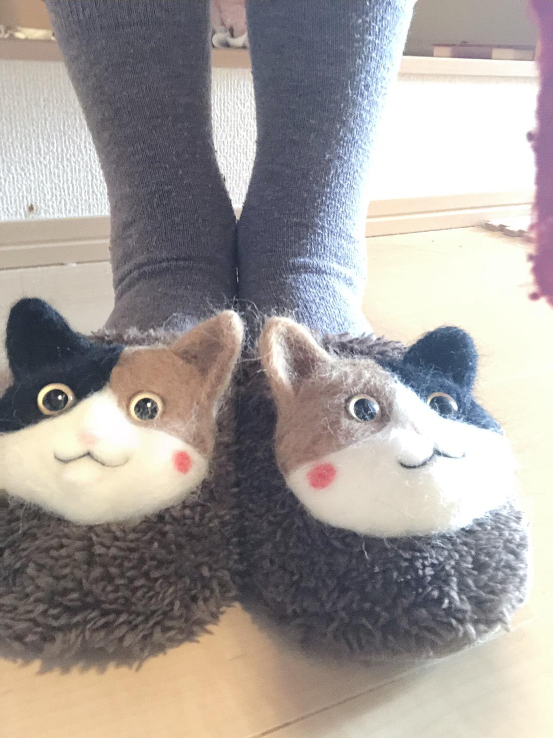 羊毛フェルト 猫 スリッパ ハチワレ