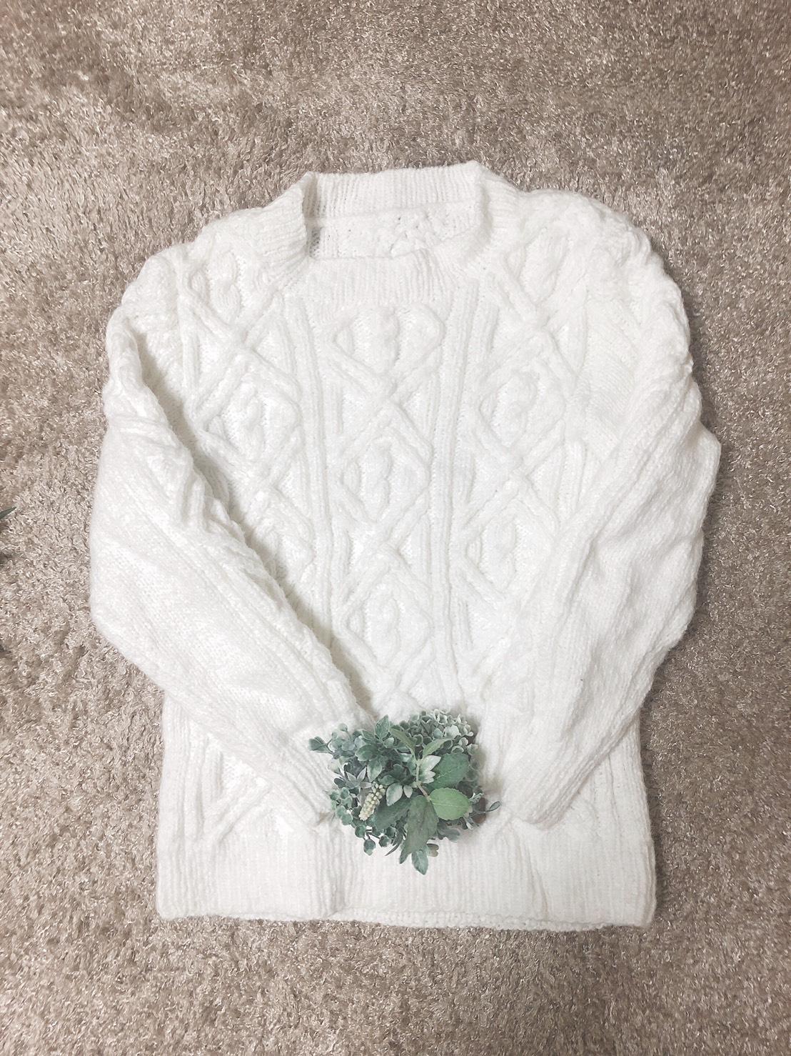Uネックセーター